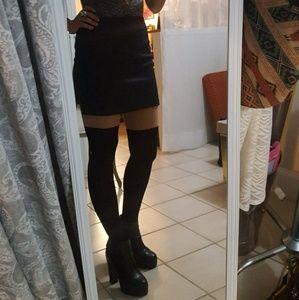 Black Express Mini Skirt (size: 4)